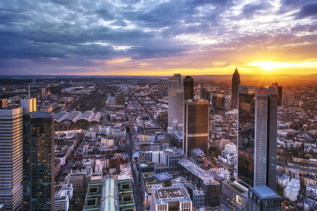 Sundowner over FFM III